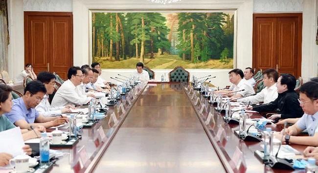 宋权礼与吉林省长景俊海会谈